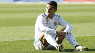 Cristiano Ronaldo se lamenta sobre el c�sped de Mendizorroza