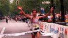 Abel Antón cruzando la línea de meta el primero en el maratón de...