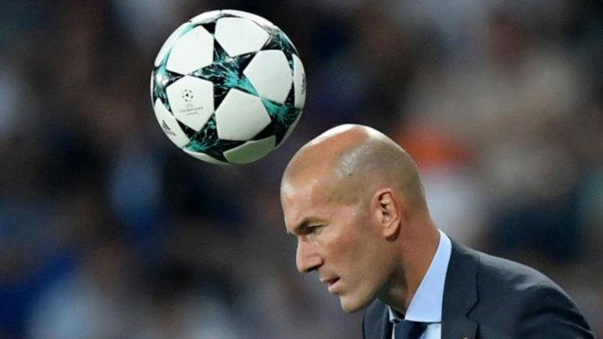 Zinedine Zidane, durante un lance del partido ante el APOEL