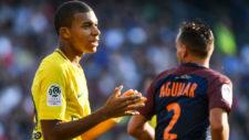 Mbappé se lamenta durante el partido ante el Montpellier.