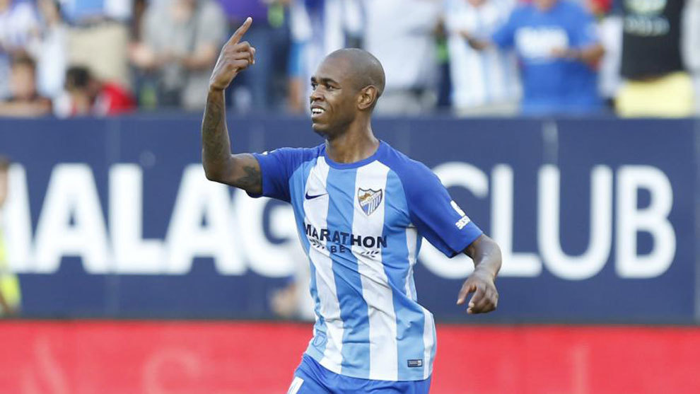 Rolan (24) celebra uno de sus goles ante el Athletic.