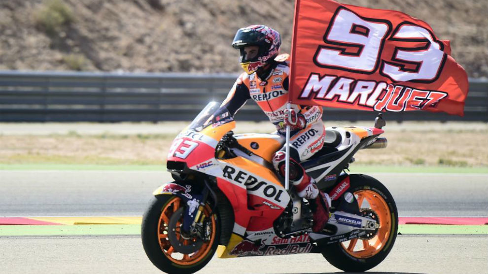 Márquez celebra la victoria