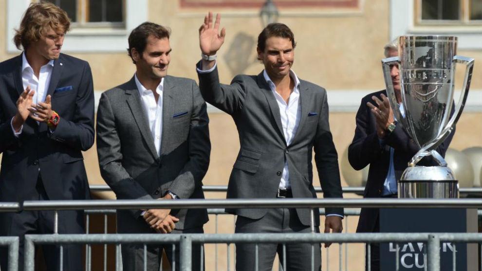 Nadal saluda en presencia de Federer y Zverev