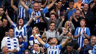 Hemed celebra su gol al Newcastle.