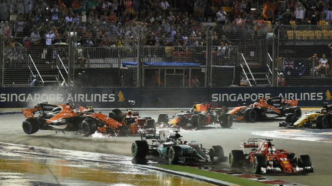 Alonso sufre un impacto en el GP de Singapur.