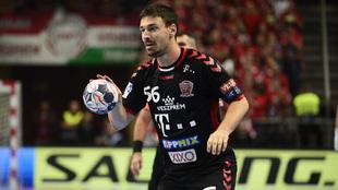 El central húngaro del Veszprém, Mate Lekai, durante un partido