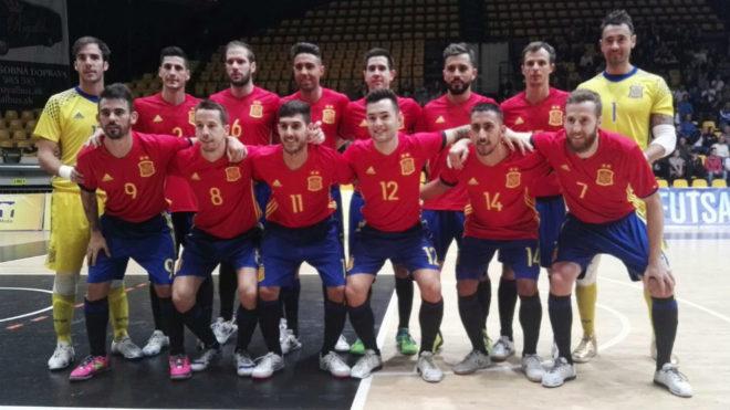 Formación de España en el partido frente a Eslovaquia en Bratistava.