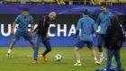 Zidane, en el rondo con Bale, Cristiano y Casemiro.