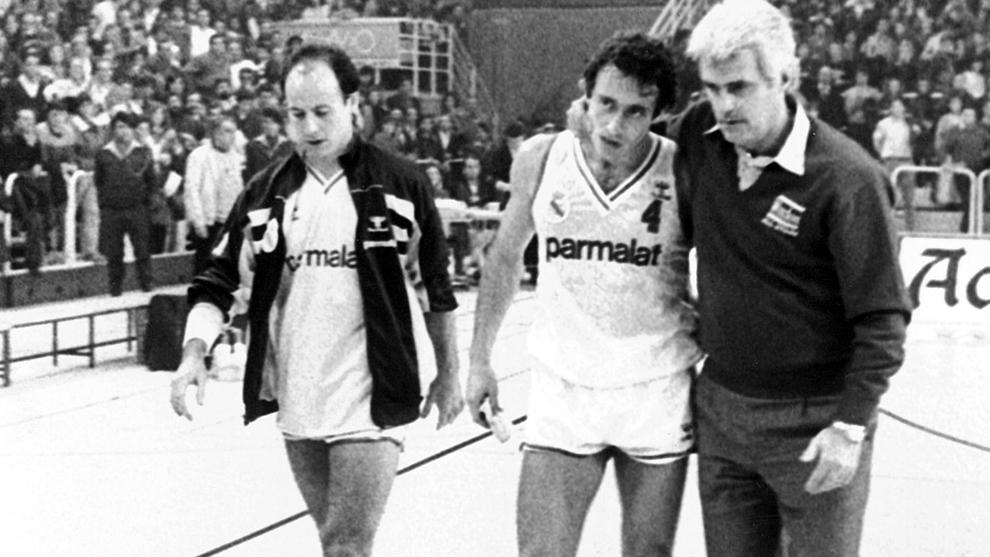 Corbalán y Llorente, jugadores del Real Madrid, junto a Lolo Sainz