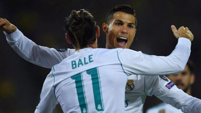 Cristiano y Bale se abrazan tras el 0-2.