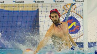 El portero del CN Sabadell Pepe Motos.