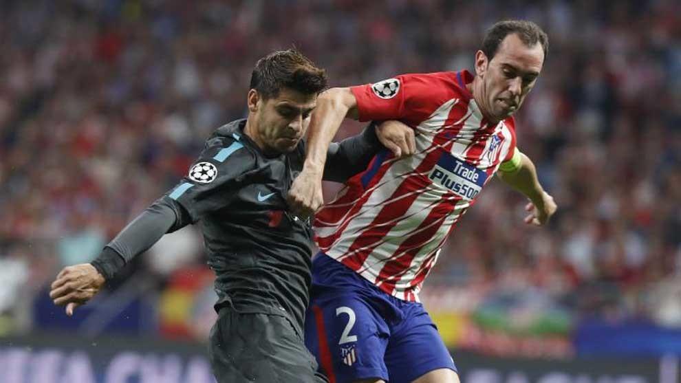 Godín pelea con Morata.