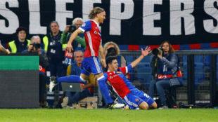 Riveros celebra su gol.