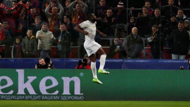 Lukaku celebra uno de sus goles al CSKA.