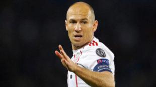 Robben () en un instante del partido entre el Paris Saint-Germain y el...