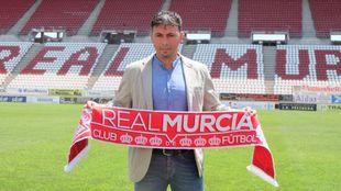 Manuel Sanlúcar durante su presentación en el Real Murcia