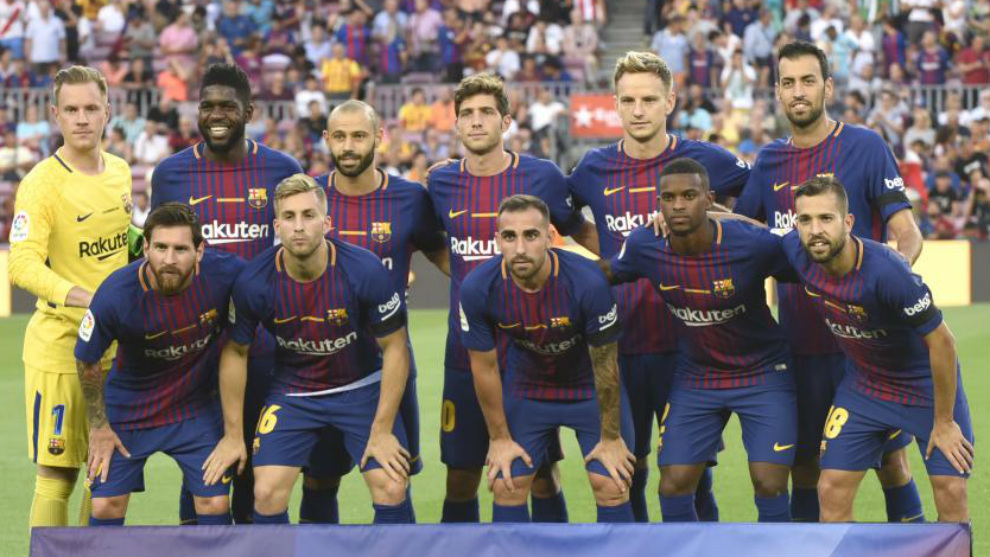 Deulofeu y Alcácer, entre Messi y Semedo en la fila inferior.