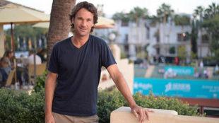 Carlos Moy� posa en el Club de Tenis Puente Romano de Marbella.