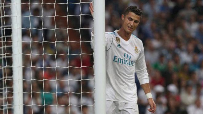 Cristiano Ronaldo se lamenta de una ocasión desperdiciada ante el...