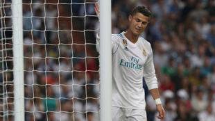 Cristiano Ronaldo se lamenta de una ocasi�n desperdiciada ante el...