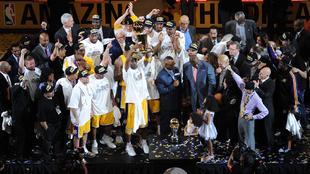 Los Lakers celebran su último título