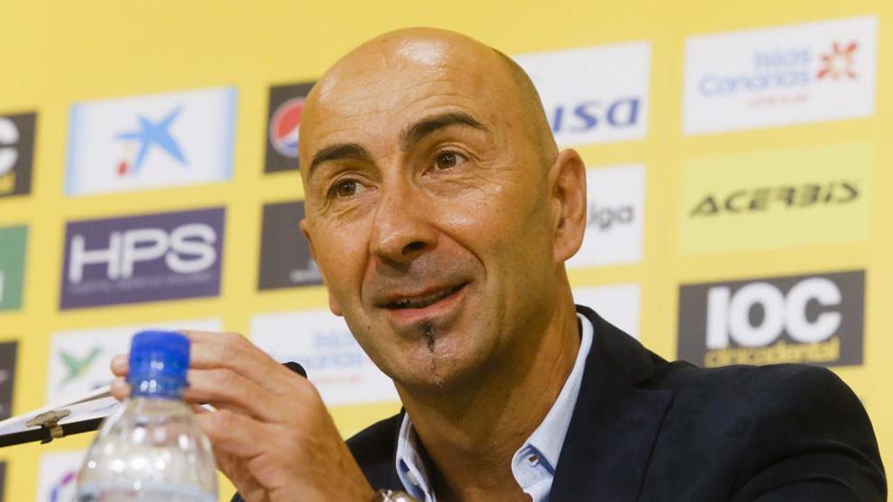 Ayestarán (54), durante su presentación como nuevo entrenador de Las...