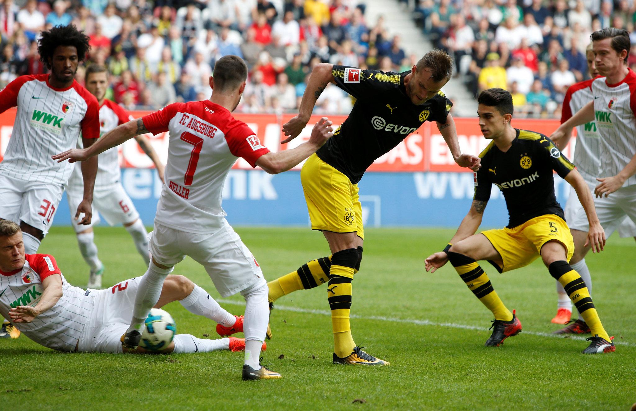 Yarmolenko marca el 0-1 del Dortmund de tacón.