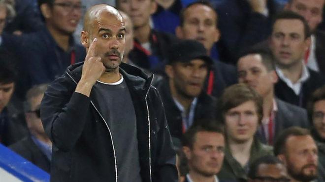 Guardiola, durante el Chelsea-City.