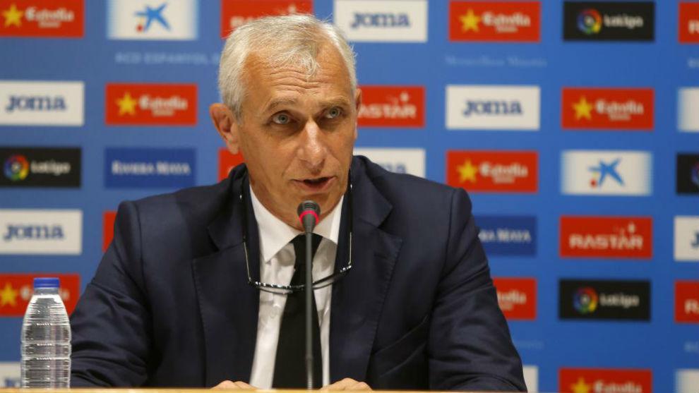 Carlos García Pont, en una rueda de prensa en el RCDE Stadium.