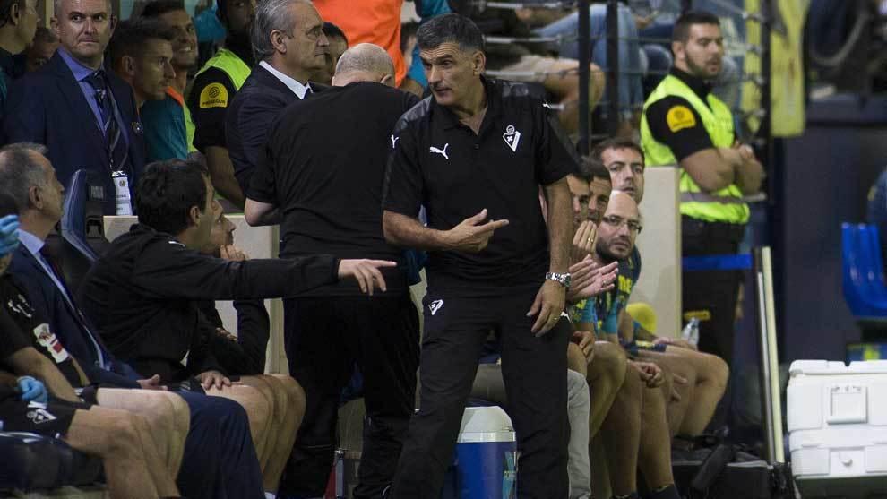 Mendilibar durante el partido ante el Villarreal