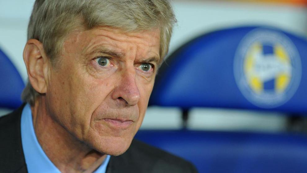 Wenger (67), durante un partido entre el Bate Borisov y el Arsenal por...