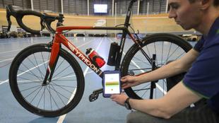 Control a una bicicleta en busca de un motor oculto
