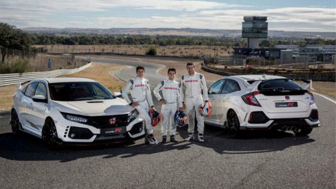 M�rquez, Pedrosa y Bou, con el Type R en el Jarama.