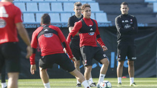 Los jugadores del Celta durante un entrenamiento.