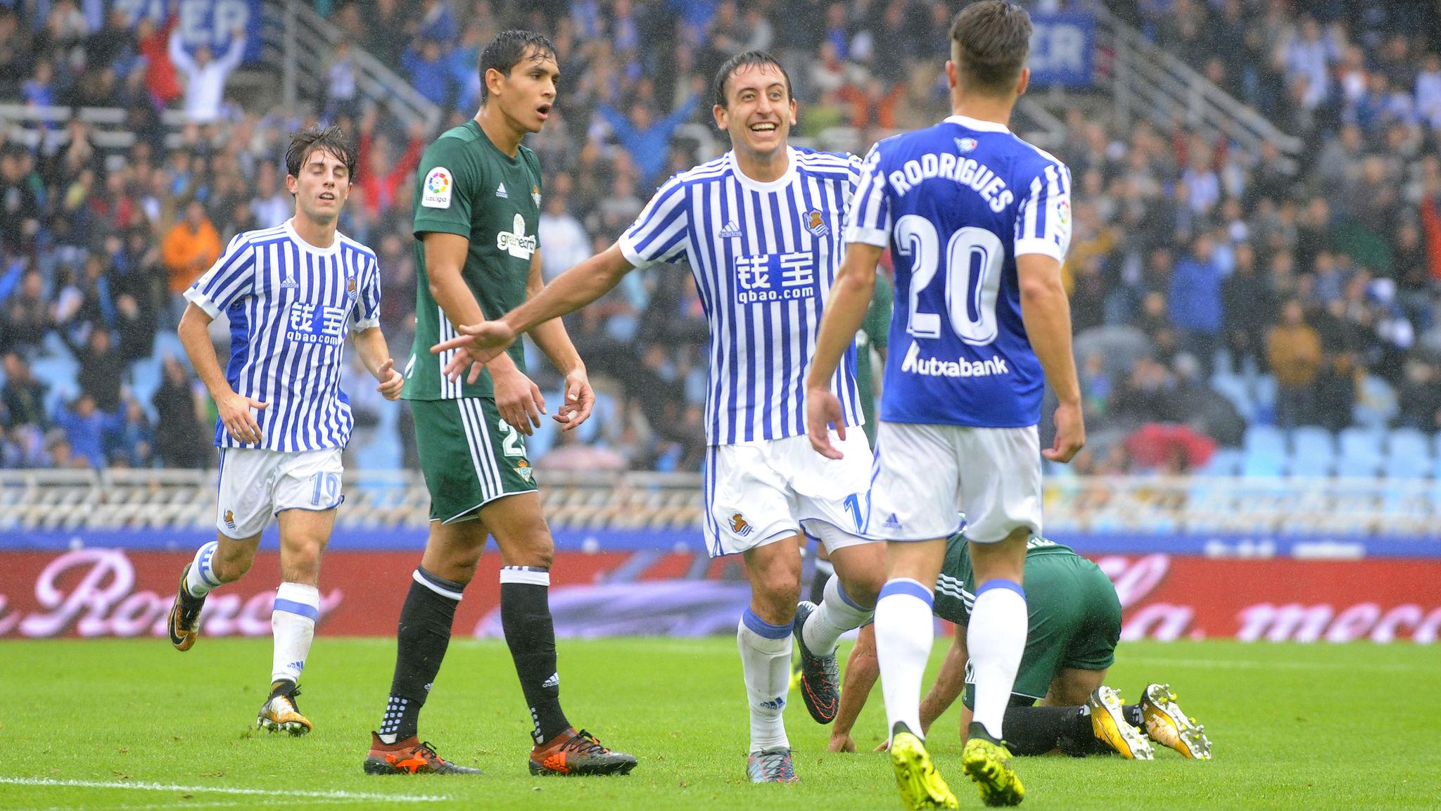 Oyarzabal celebra el gol frente al Betis.