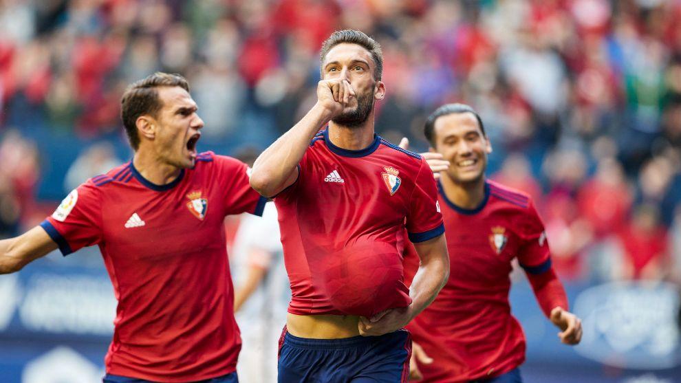 Roberto Torres celebra el gol que anotó contra el Sporting el pasado...
