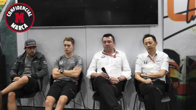 Alonso, Vandoorne, Boullier y Hasegawa.