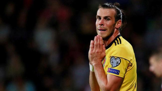 Bale, con Gales.