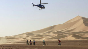 Imagen de la Titan Desert 2017 en el desierto de Marruecos.