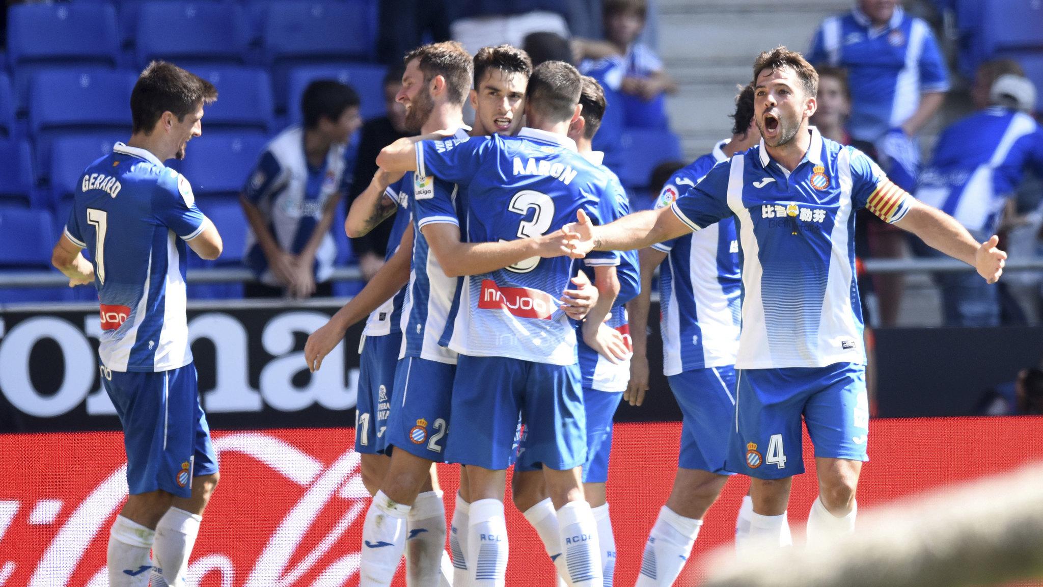 El Espanyol celebra un gol ante el Deportivo la Coruña