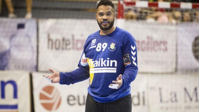 César 'Bombom' Almeida, en un partido con el BM Fraikin Granollers.