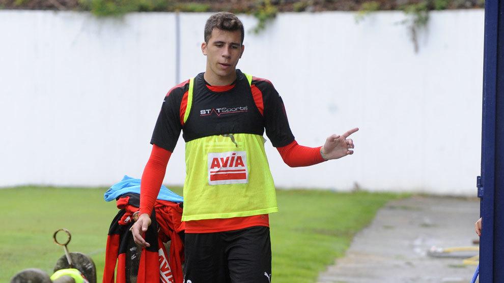 Christian Rivera en un entrenamiento con el Eibar.