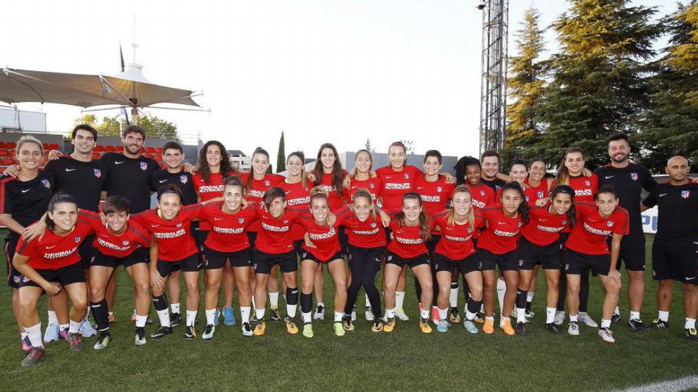 La plantilla del Atlético de Madrid posa en la Ciudad Deportiva...