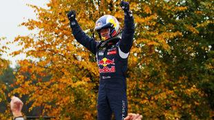 Loeb, en Letonia al ganar en Rallycross.