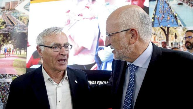 Joan Ribó junto a Juan Roig durante la presentación del Maratón de...
