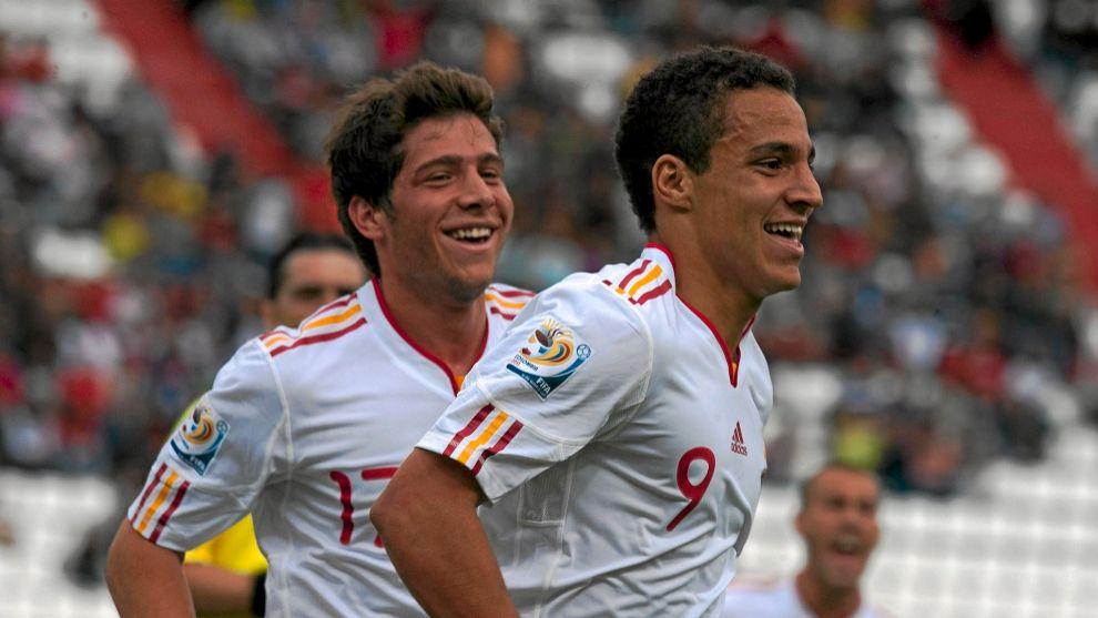 Rodrigo Martín celebrando un gol en las categorías inferiores