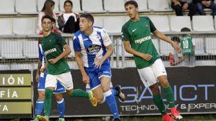 Acción de un amistoso de pretemporada entre Deportivo y Racing de...