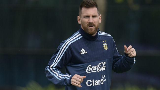 Messi, entren�ndose con la selecci�n.