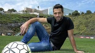 Aitor Sanz posa para MARCA después de un entrenamiento en el...