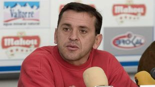 Quique Estebaranz en su época como entrenador